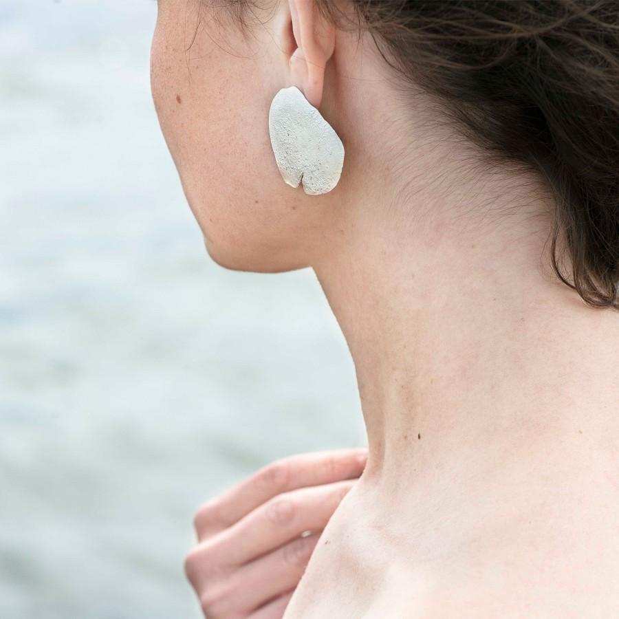 Flat Medusa earrings