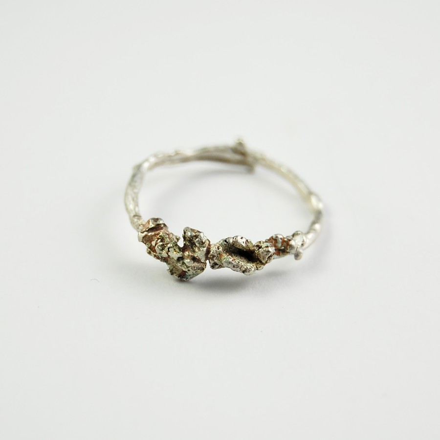 Crawling beast silver ring
